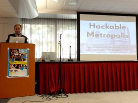 Martijn de Waal introducing Hackable Metropolis